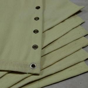 O tecido de aramida tem excelentes propriedades para resistir alta temperatura em uso contínuo, Tecido aramida resiste à temperatura intermitente e controlado entre 280 e 450 graus. O Tecido de Aramida são muito utilizado para fazer mantas de proteção contra fagulhas e respingos de solda.