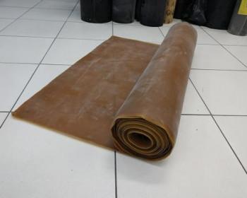 O lençol de látex tem flexibilidade, sendo possível esticar sob pressão em váriasatividades, como inflar tecidos para beneficiar movimentação controlada em montagens, efeito mola, tiras e tirantes para fisioterapia, entre outras aplicabilidades.