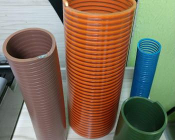 A linha de mangueiras Kanaflex flexíveis é muito resistente ao desgaste vibratório. Esta marca de mangueira suporta abrasividade quando encosta as partes, pois conta com a espessura da parede maior e é fabricada com materiais de primeira.