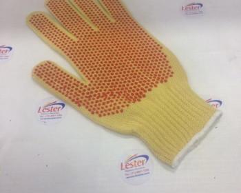 A luva de Kevlar pigmentada serve para pegar objetos sem riscos à pele. Esta é tricotada com fios de aramida amarelo sol e confeccionada com punho flexível capaz de ajustar de forma firme para não sair da mão.