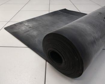 Manta, placa e lençol de borracha são usados para revestimentos de tampão, piso e bancada, sendo aplicados em linhas de montagens industriais nos compostos nitrílica, Neoprene, natural, látex, silicone ou pulsômetro.