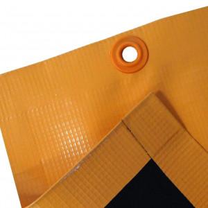 A lona antichamas é usada para aplicação em serviços de solda, proporcionando a não propagação de chamas. Esta é fabricada em PVC com reforço de poliéster e conta com mais o aditivo que é retardante a chamas, resultando no uso em manutenção, caminhão e coberturas.